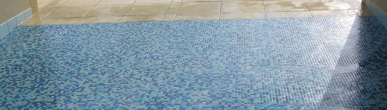 Pose de carrelage de salle de bain et au sol for Pose carrelage mosaique sol